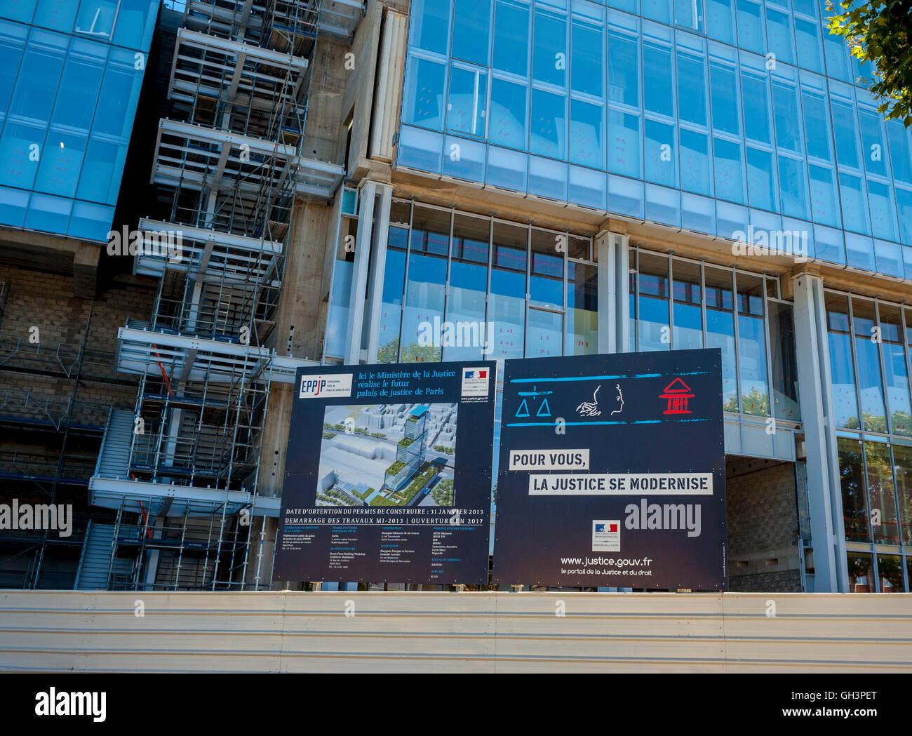 """Paris, France, Construction SIte, New Court House Building, """"Palais de justice de Paris"""", Porte de Clichy (Credit Arch: Renzo Piano Workshop) Stock Photo"""