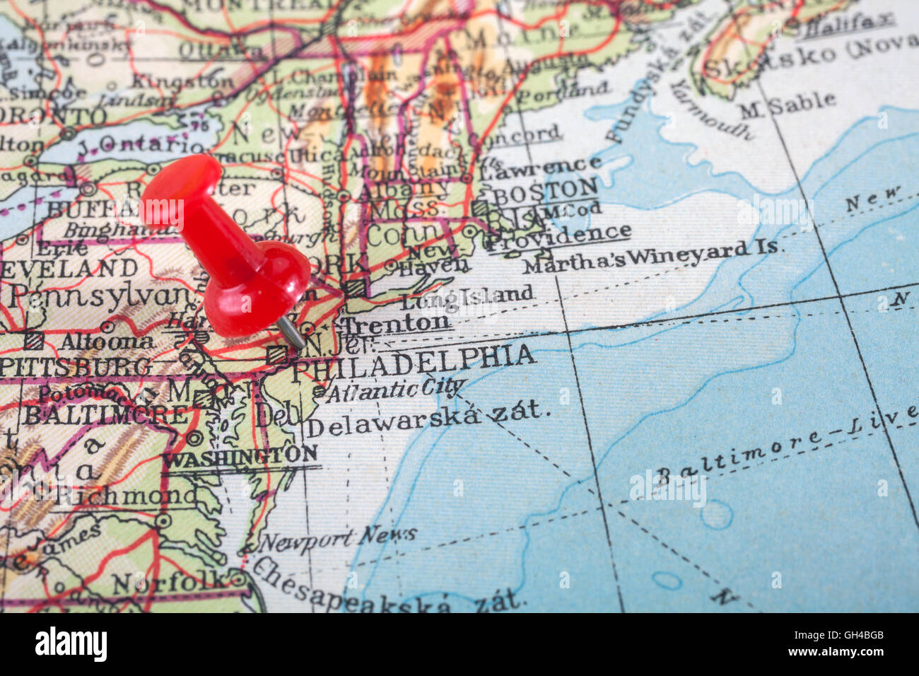 red push pin showing the location of a destination point on a map philadelphia