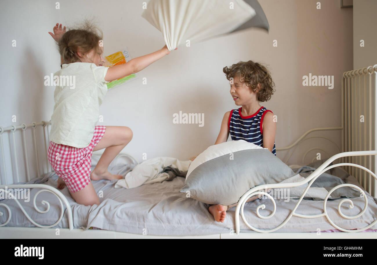 Сестра не удержалась перед братом секс, Как брат трахнул сестру с сюжетом в hd жми сюда 8 фотография