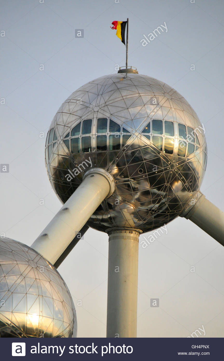 geography / travel, Belgium, Atomium, 1958 to the world exposition in Bruxelles from steel and aluminum build and - Stock Image
