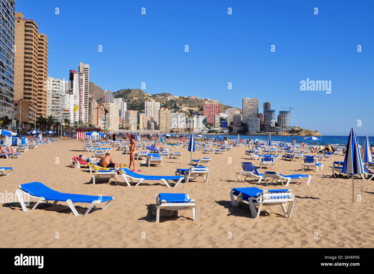 geography / travel, Spain, vacuity loungers at beach of Benidorm, Costa Blanca, Additional-Rights-Clearance-Info - Stock Image