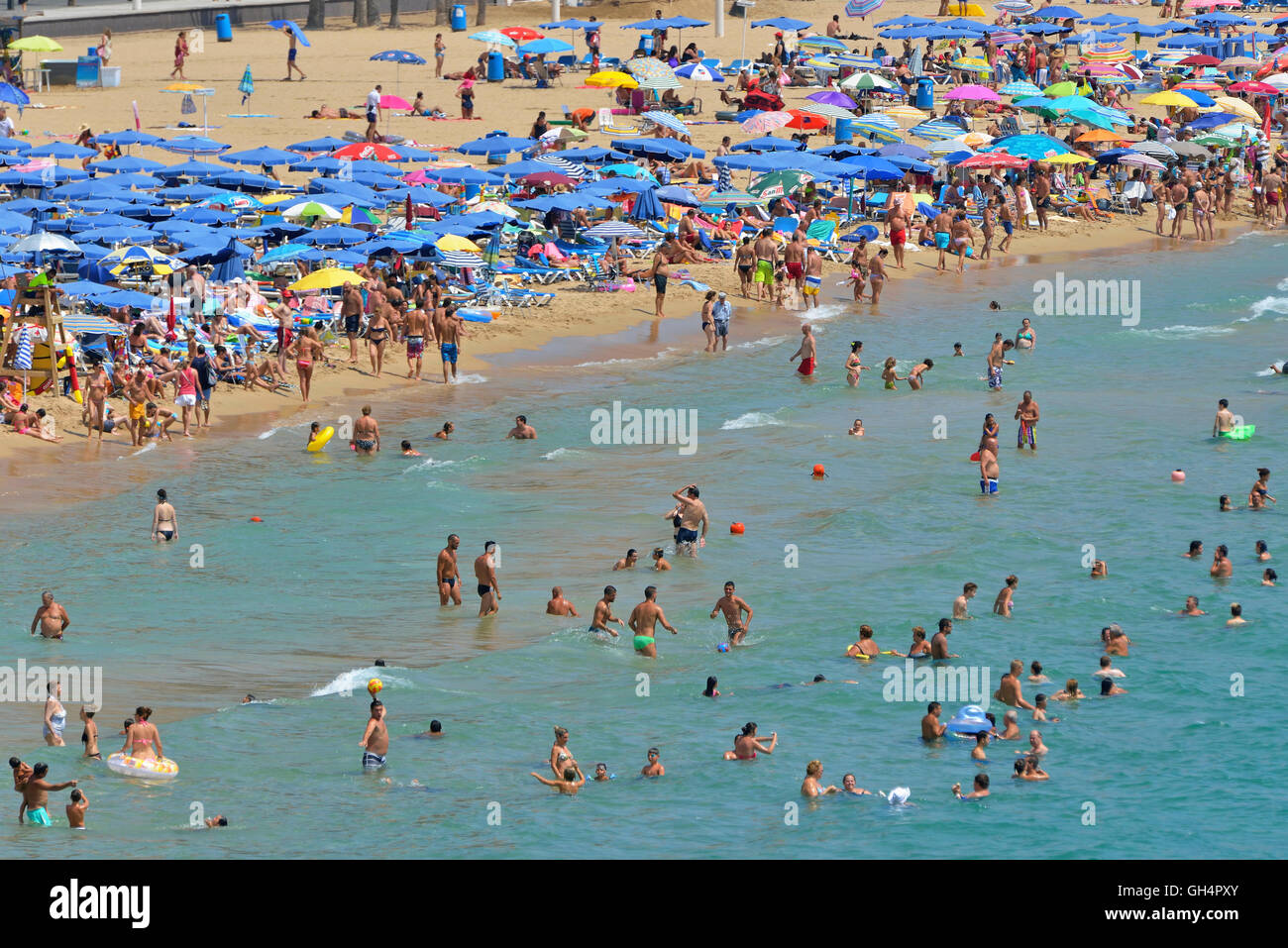 geography / travel, Spain, bather at beach playa Levant, mass tourism, Benidorm, Costa Blanca, Additional-Rights - Stock Image