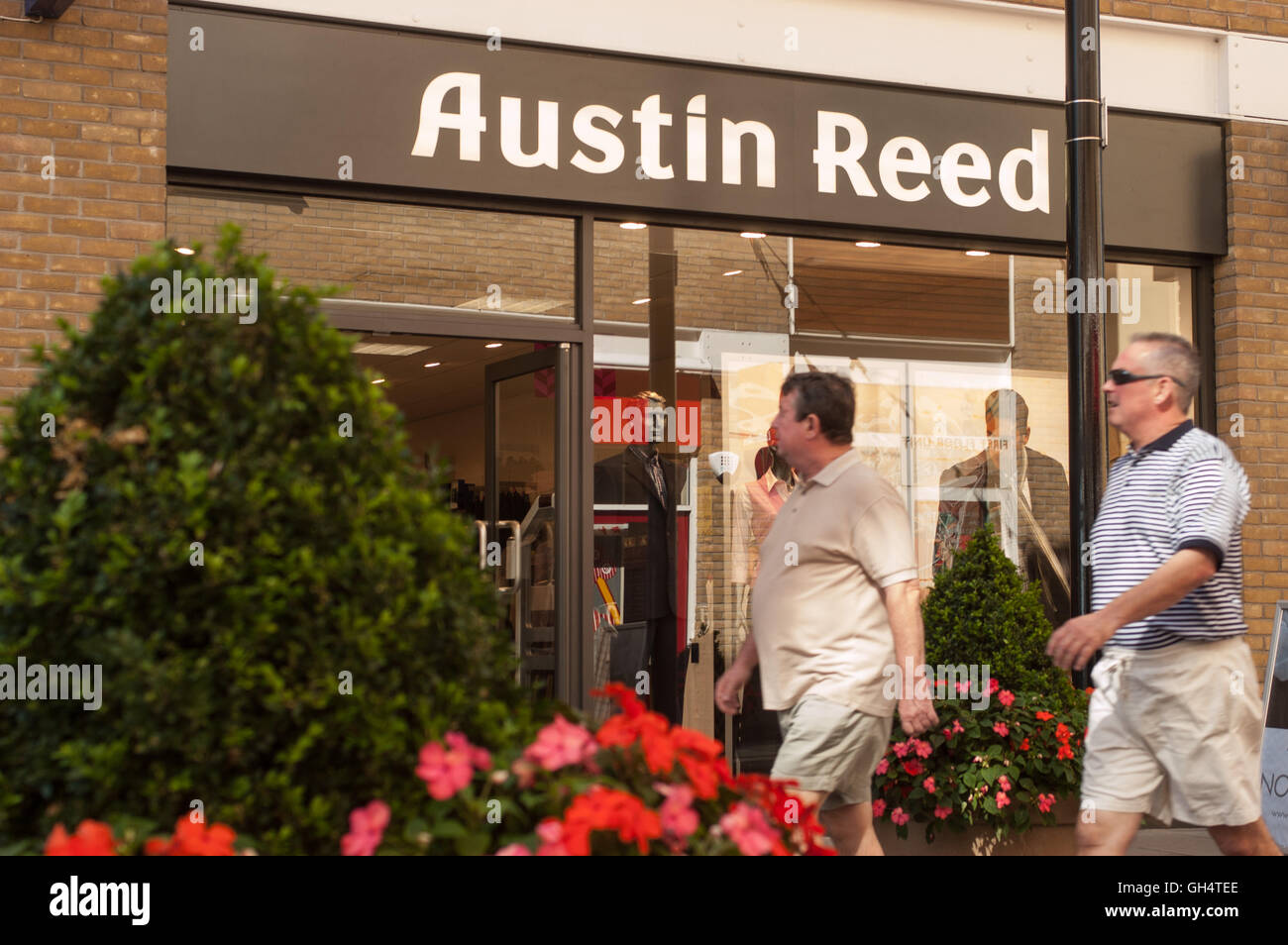 Page 2 Austin Reed High Resolution Stock Photography And Images Alamy