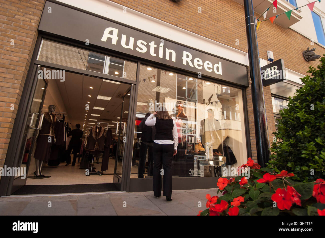 Austin Reed Store Cardiff Bay Stock Photo Alamy