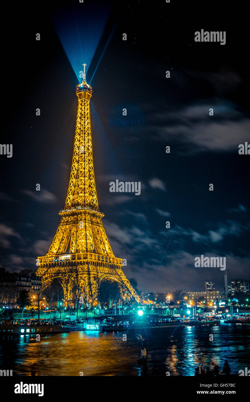 The Beautiful Eiffel Tower In Paris At Night Stock Photo Alamy
