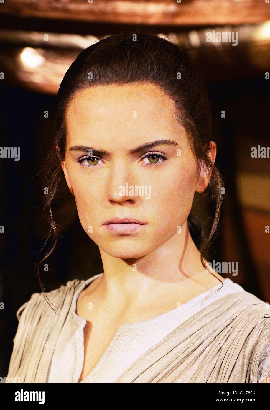 Star Wars The Last Jedi Release Date Philippines >> Rey Star Wars Stock Photos & Rey Star Wars Stock Images - Alamy