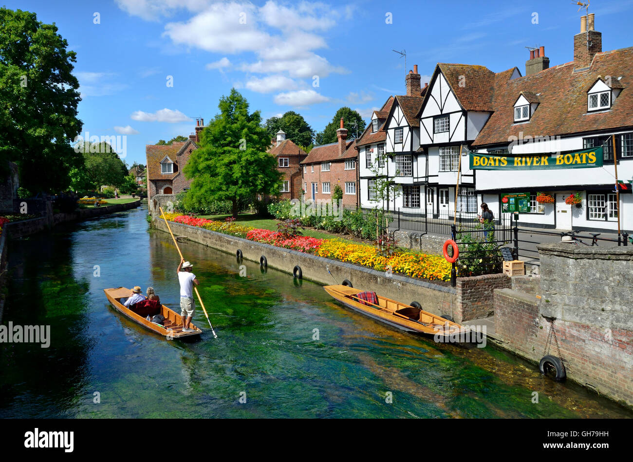 Canterbury, Kent, UK. Westgate Gardens / River Stour. Starting point for tourist boating trips by punt - Stock Image