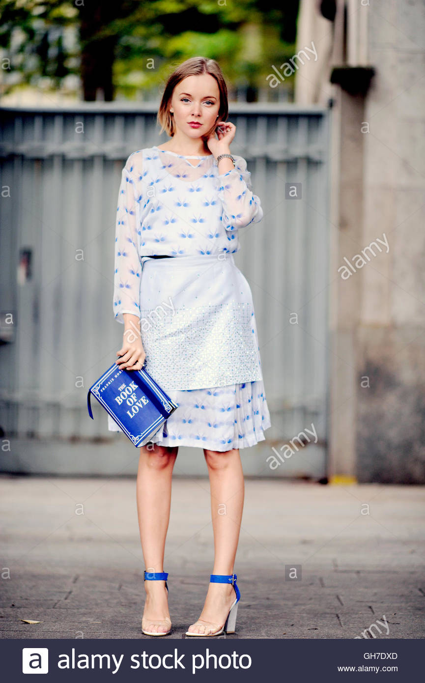 Woman at Piazza Sempione, Milano, Italy, during Milan Fashion Week. - Stock Image