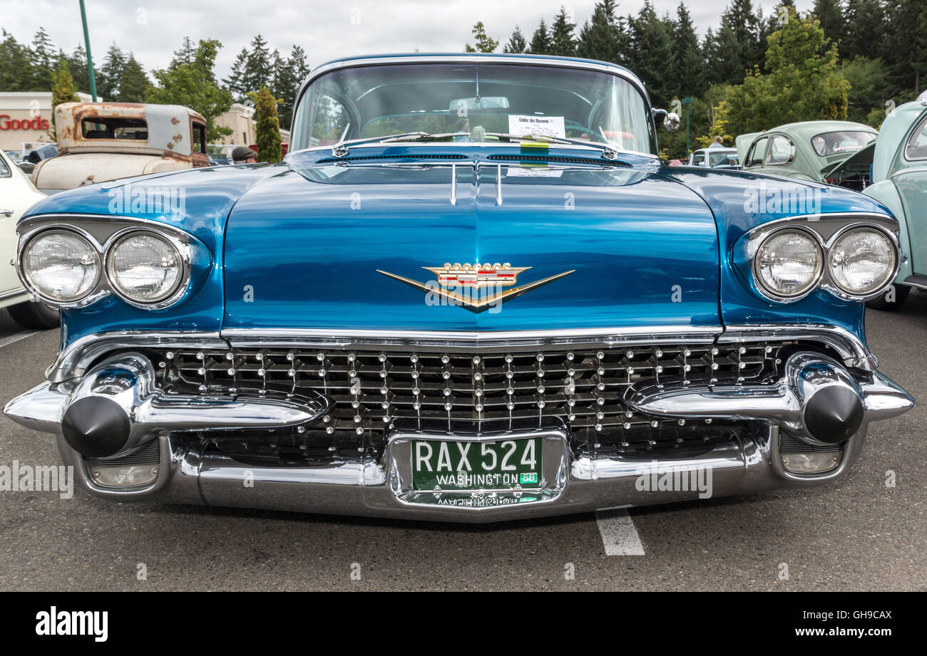Custom Cadillac Stock Photos Images Alamy 1951 Fleetwood 60 Special Front View Of A 1958 At Classic Car Show Gig Harbow Washington