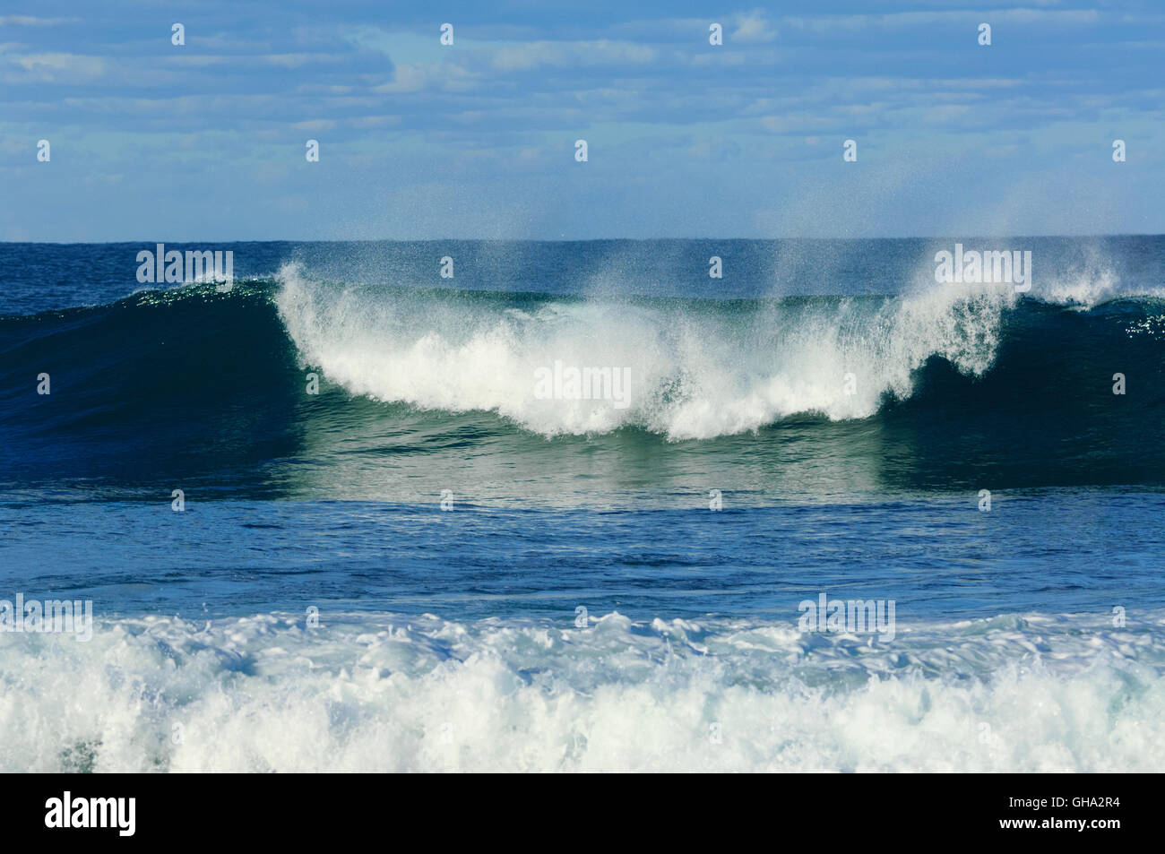 Breaking wave, Gerroa Headland, Illawarra Coast, New South Wales, NSW, Australia - Stock Image