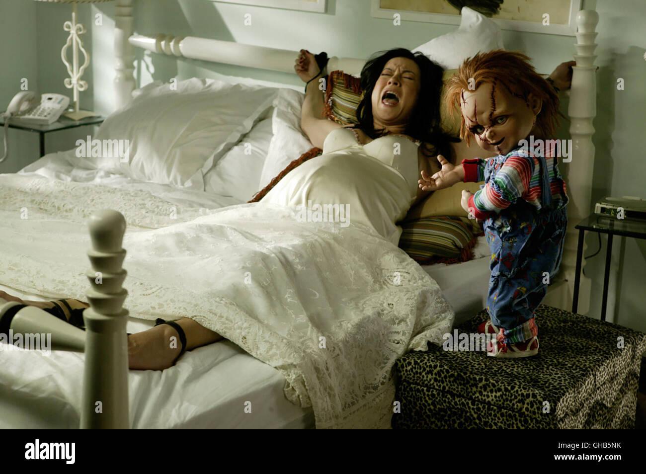 Sinnlich Schätzchen Chastity Lynn bekommt Ihr muschi gebohrt im Bett