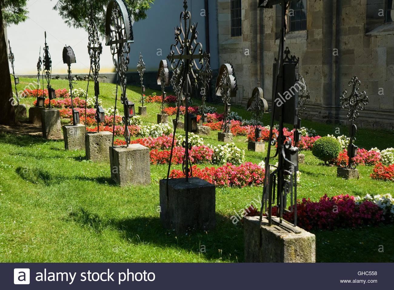 Stift Heiligenkreuz (Gegründet 1133, das nach Stift Rein weltweit zweitälteste Zisterzienserkloster) Stock Photo
