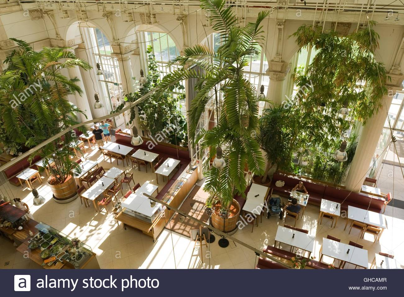 Wien, Burggarten, Palmenhaus, Cafe im Innenraum von Eichinger und Knechtl 1998 (EDITORIAL USE ONLY, ADVERTISING - Stock Image