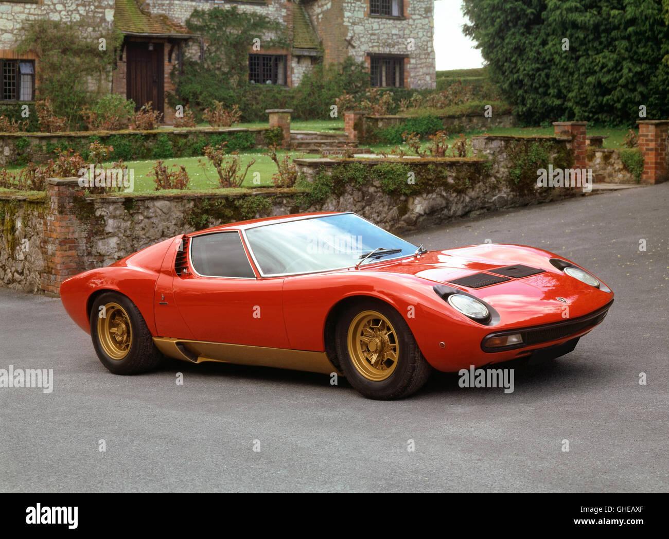 1971 Lamborghini Miura P400 SV V12 4 0 litre engine producing 385 bhp Bodywork built by Bertone Country of origin - Stock Image