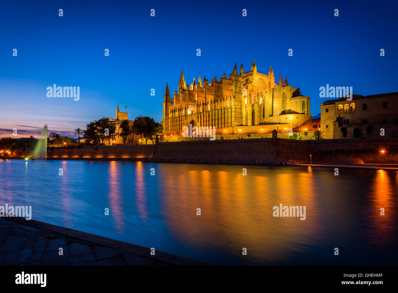 Cathedral of Palma de Mallorca, Spain at sunset - Stock Image