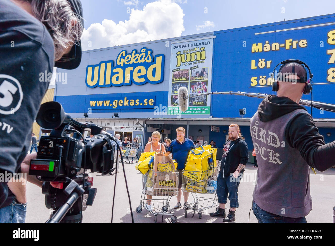 TV team from Chanel 5 Sweden, recording in front of the department store Gekas at Ullared, Sweden - Stock Image