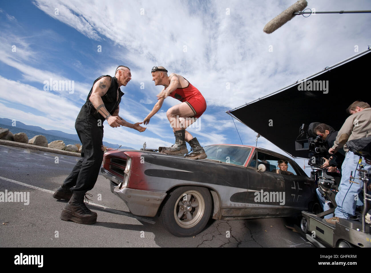 Smokin' Aces / Behind the scenes with two of the Tremor Brothers, Jeeves Tremor (KEVIN DURAND) and Lester Tremor - Stock Image