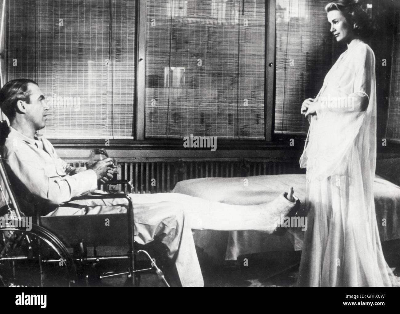 GRACE KELLY (Lisa Carol Fremont), JAMES STEWART (L.B. Jefferies) Regie: Alfred Hitchcock - Stock Image