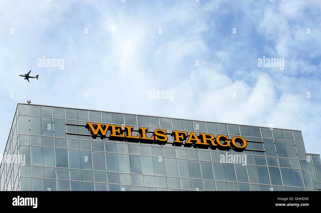 September 28, 2016 - Orlando, Florida, United States - A Wells Fargo bank building is seen in Orlando, Florida on Stock Photo