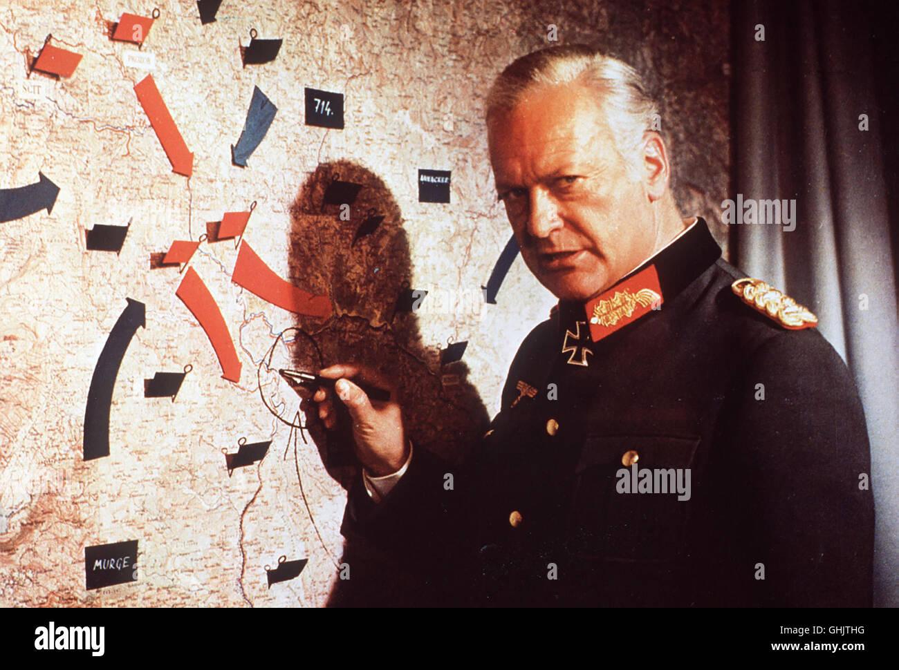 Jugoslawien, 1943: Titos Partisanenarmee ist von deutsch-italienischen Truppen im engen Tal der Neretva eingekesselt. - Stock Image