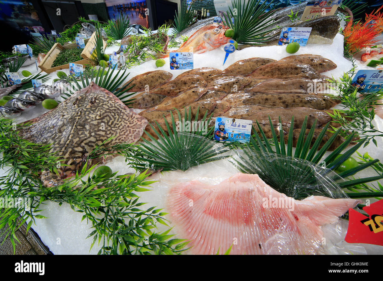 French Fish Market Stock Photos & French Fish Market Stock Images - Alamy
