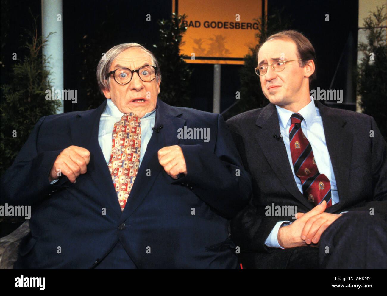 DIETER HALLERVORDEN (links) mit kabarettistischen Anmerkungen zum politischen und gesellschaftlichen Zeitgeschehen. - Stock Image