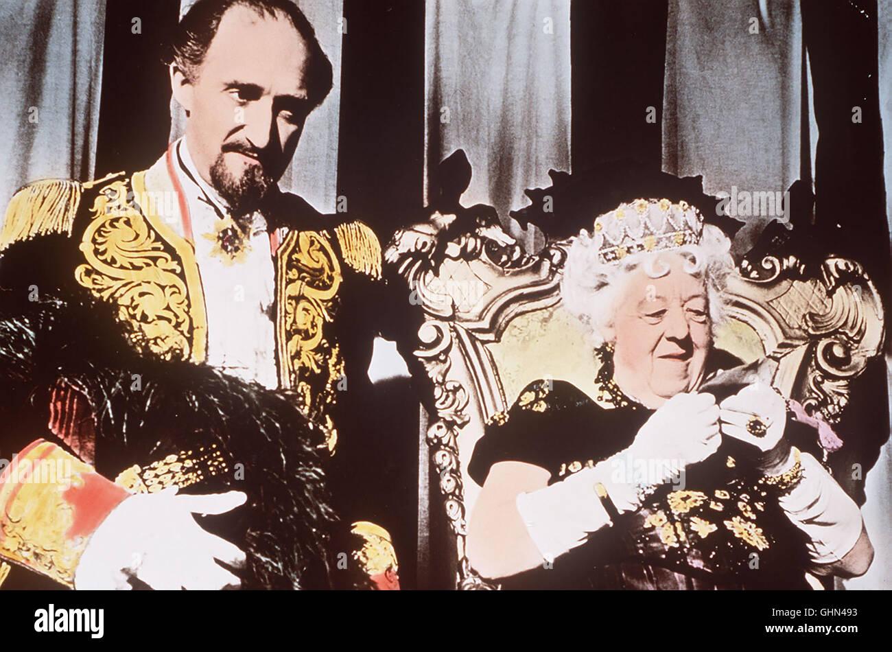 Gloriana XIII aus Groß-Fenwick (MARGARET RUTHERFORD) und ihr Premierminister Mountjoy (RON MOODY) haben sich in Stock Photo