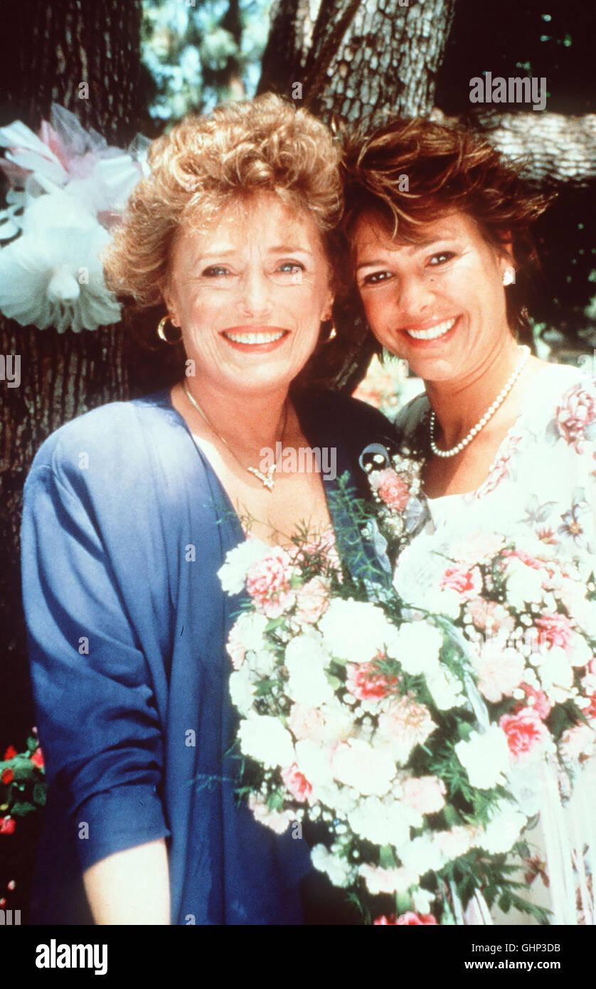 DIE MUTTER DER BRAUT Nach zwei unglücklichen Ehen scheint Anne nun endlich den richtigen Mann gefunden zu haben. - Stock Image