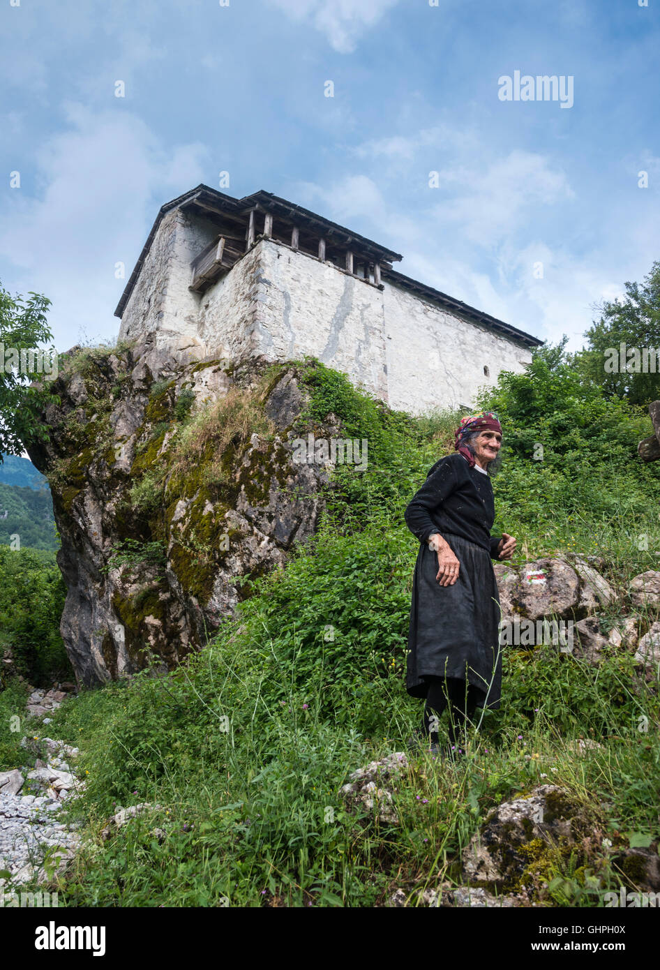 Traditional Ottoman period defensive house now the local Ethnographic Museum at Theth, in the Albanian Alps, Northern - Stock Image