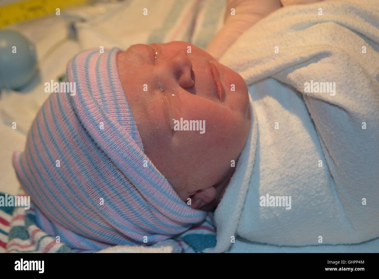 Gel in new born baby eyes - Stock Image