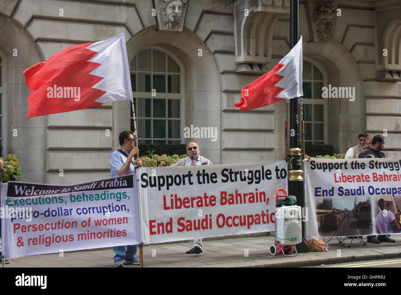 Demonstration opposite Bahrain embassy in Belgrave Square London - Stock Image