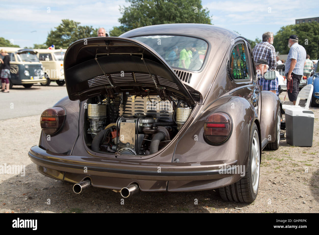 Celle, Germany - August 7, 2016: Engine inside the rear trunk of a Volkswagen Beetle at the annual Kaefer Meeting - Stock Image