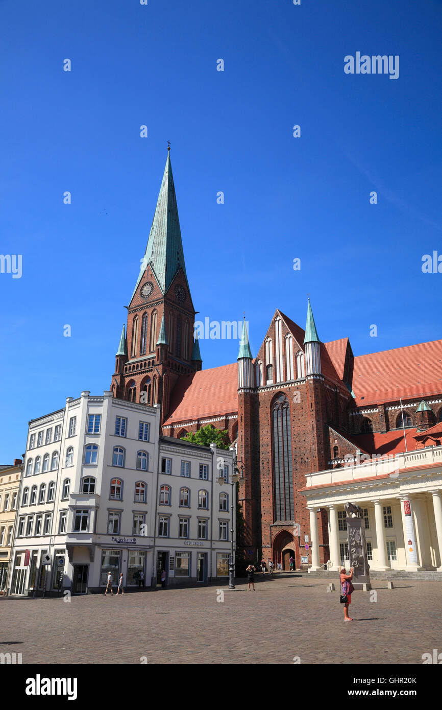 Market square with cathedral, Schwerin, Mecklenburg Western Pomerania, Germany, Europe - Stock Image