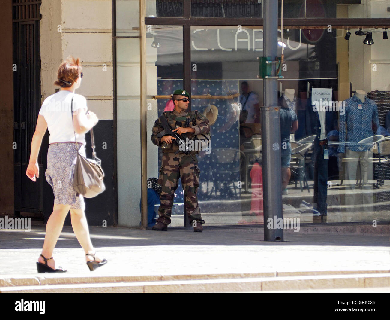 Heavily armed French elite soldiers can be seen on the streets in many places these days, this picture was shot - Stock Image