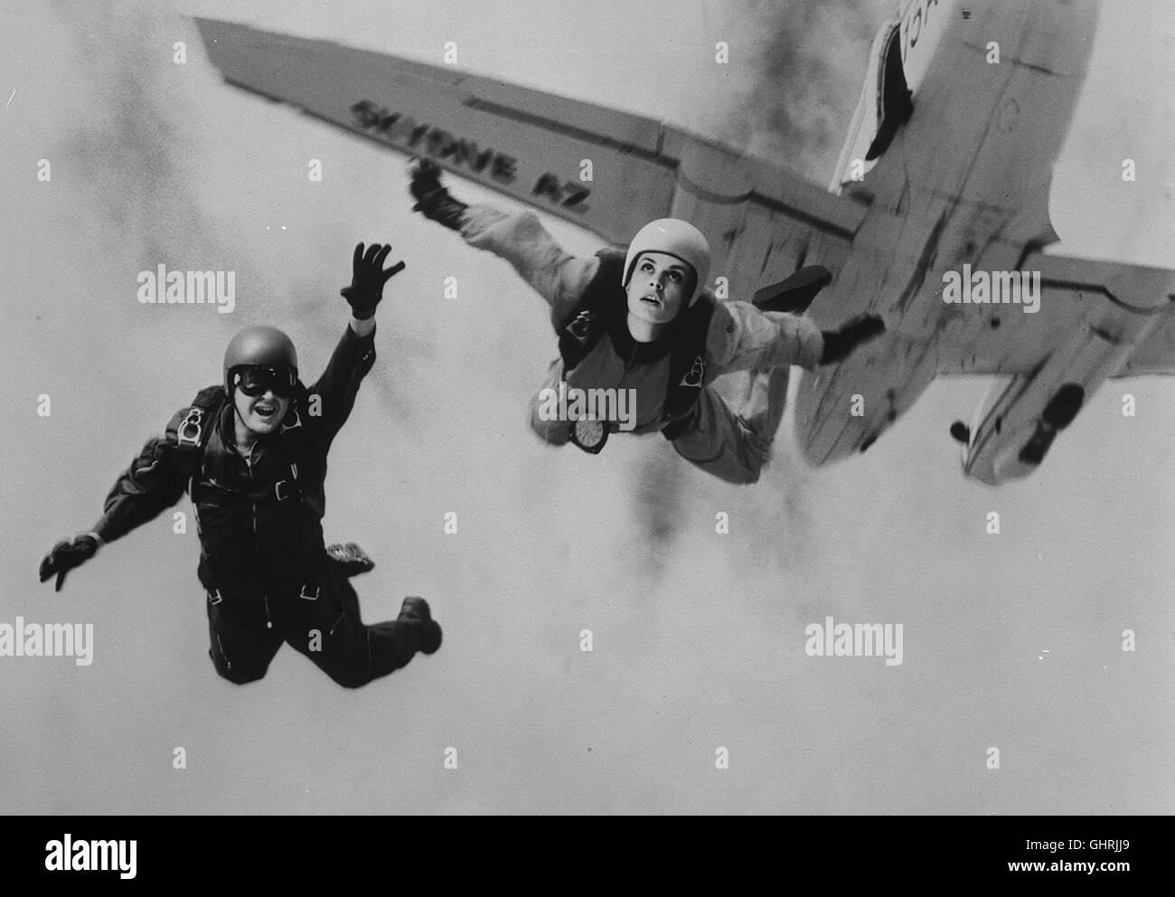 TÖDLICHE GESCHWINDIGKEIT - Die geheimnisvolle Schülerin Chris Morrow (NASTASSJA KINSKI) des Fallschirmlehrers - Stock Image