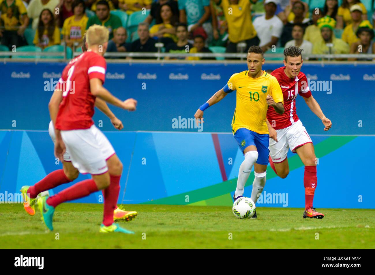 Salvador, Brazil. 10th August, 2016. OLYMPICS 2016 FOOTBALL SALVADOR - Neymar bid dispute in the match between Brazil Stock Photo