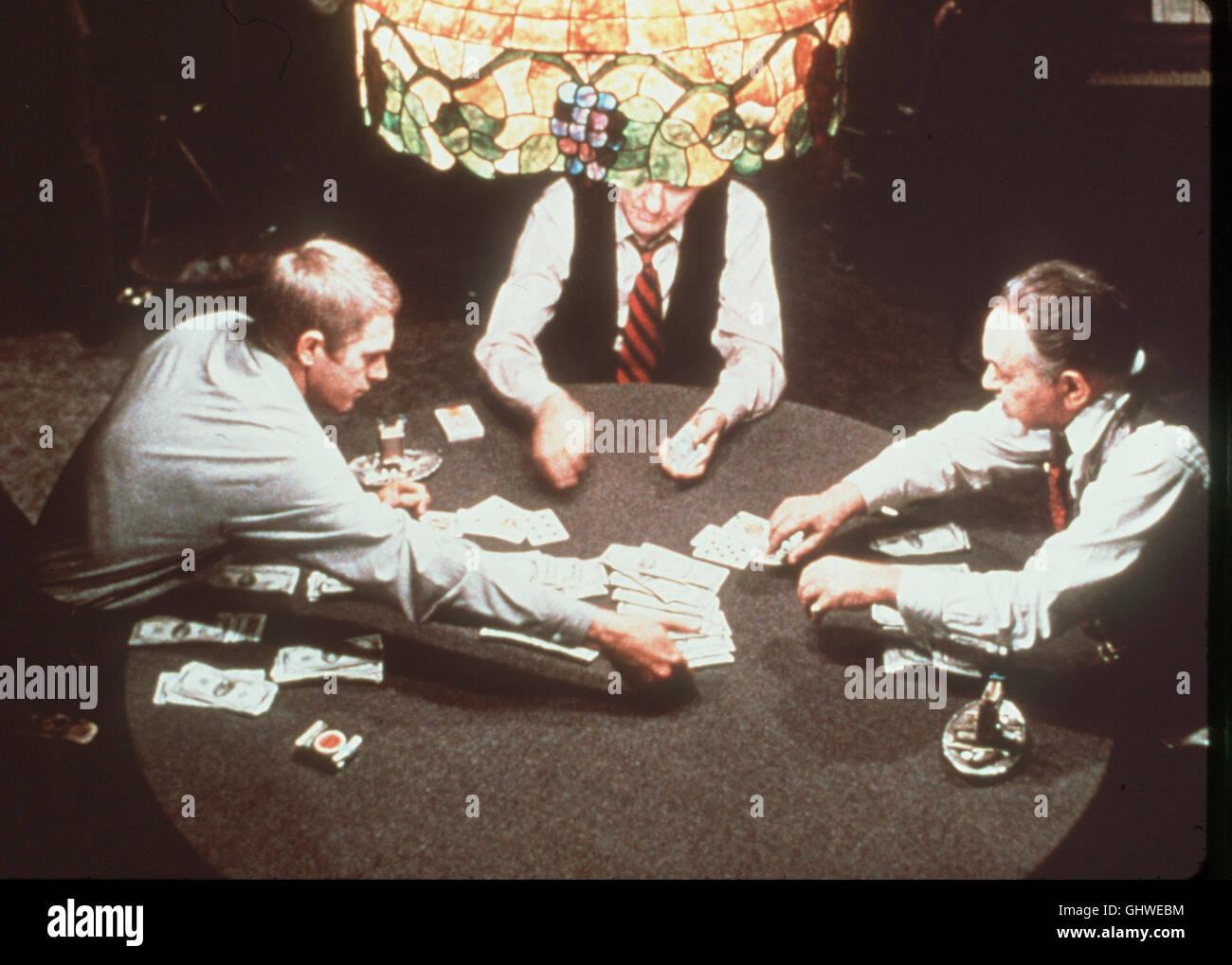 CINCINNATI KID- Der junge Cincinnati Kid (STEVE Mc QUEEN) fordert den alten PokerKönig Lancey Howard (EDWARD G.ROBINSON) zu einem Pokerduell heraus. Regie: Norman Jewison aka. Cincinnati Kid Stock Photo