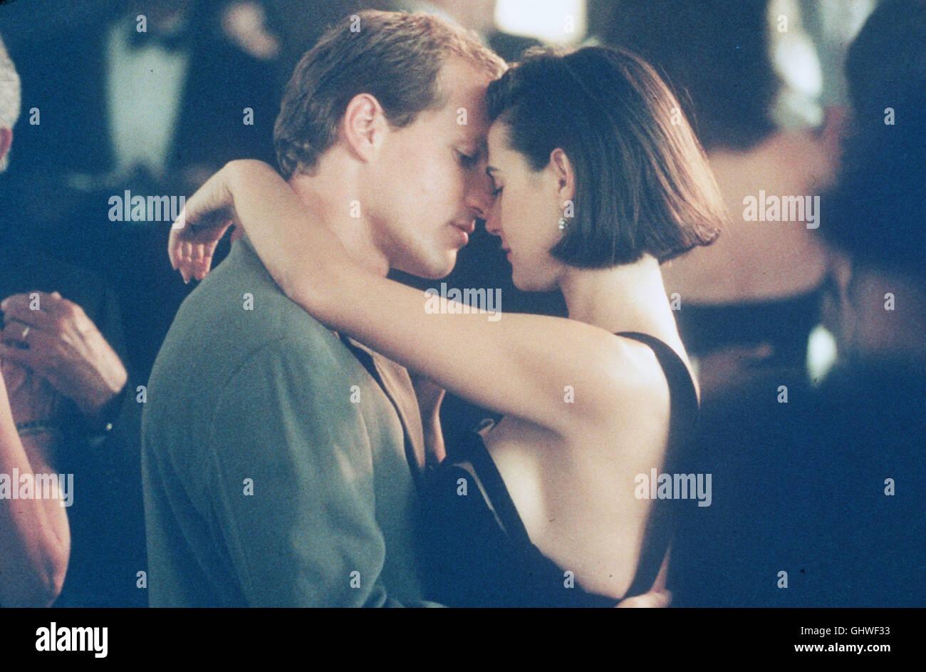 EIN UNMORALISCHES ANGEBOT- Das junge Paar Diana (DEMI MOORE) und David (WOODY HARRELSON) sind glücklich verheiratet, - Stock Image