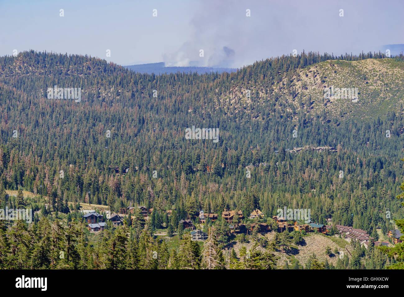 Wild fire with smoke near Mammoth Lake - Stock Image