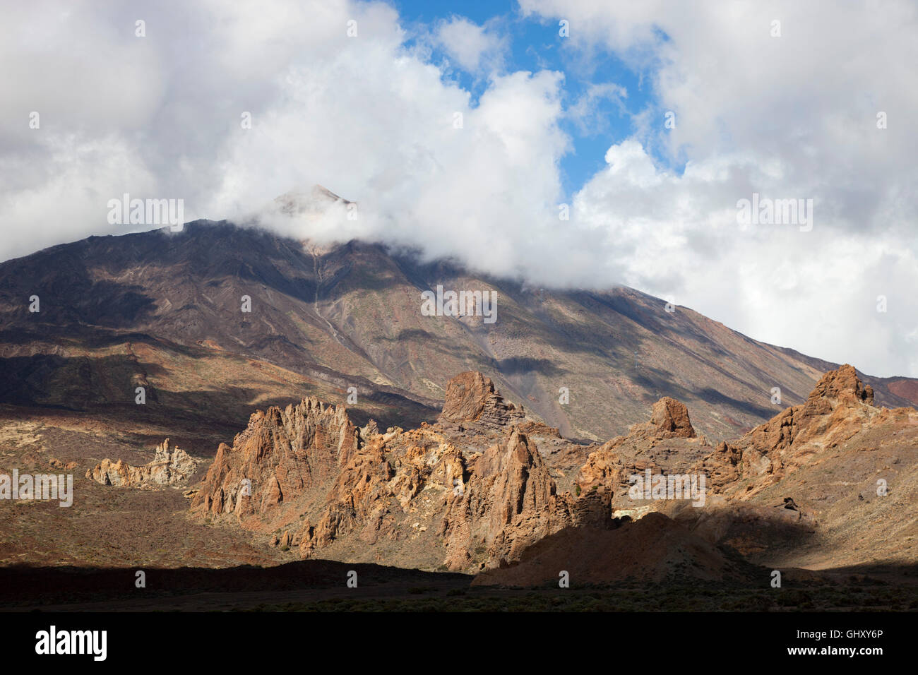 Los Roques, Llano de Ucanca and Teide volcano, Tenerife island, Canary archipelago, Spain, Europe - Stock Image