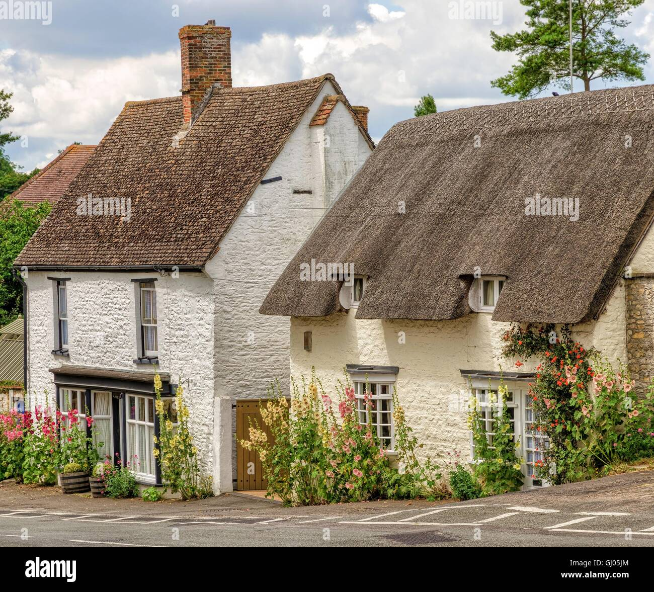 Cottages in Great Milton village, Oxfordshire, England - Stock Image