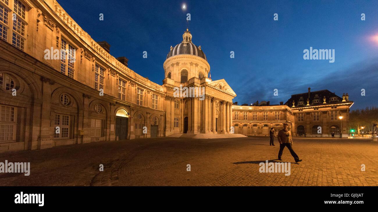 Figure at the Acadamie des Beaux-Arts, Institut de France, Paris, France - Stock Image