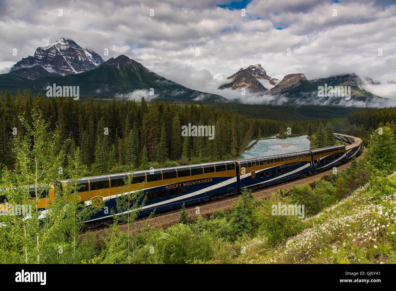 Rocky Mountaineer passenger train at Morant's Curve, Banff National Park, Alberta, Canada - Stock Image