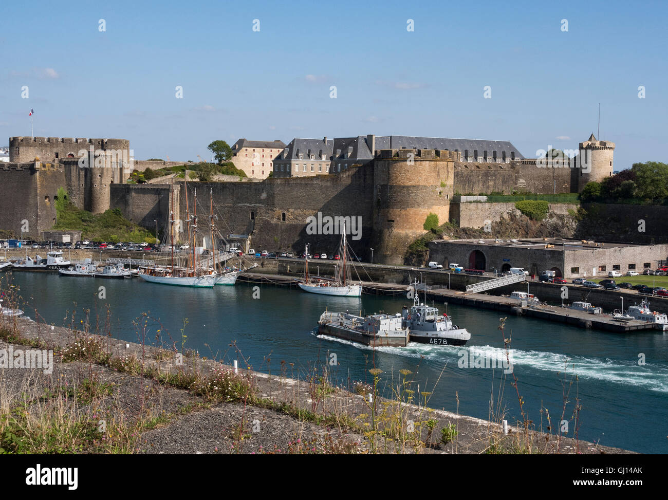 Boats on Penfeld  below the castle, Brest. - Stock Image