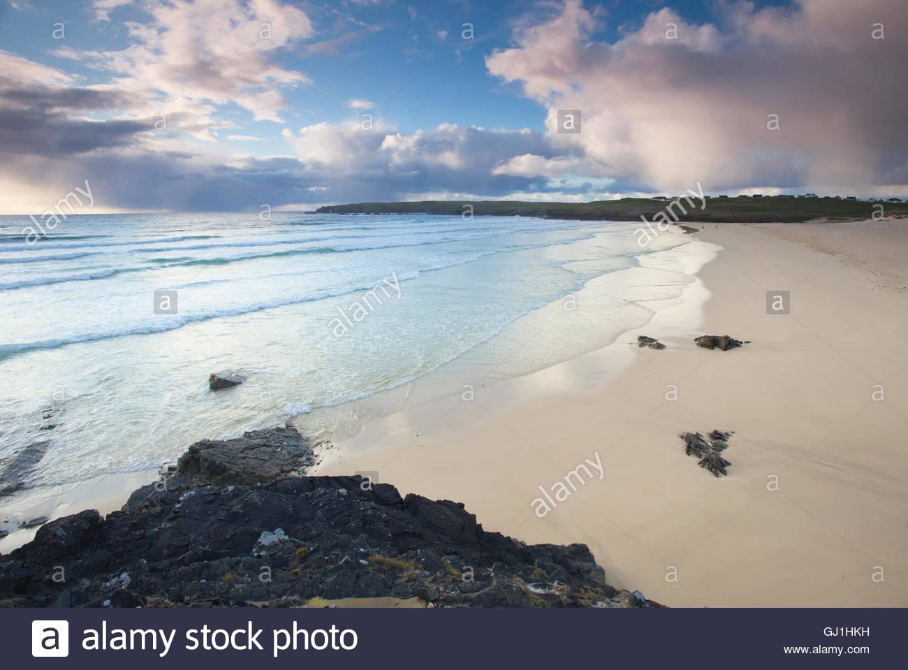 The empty white beach of Traigh Shanndaigh, near Eoropie, Isle of Lewis, Outer Hebrides, Scotland. Stock Photo