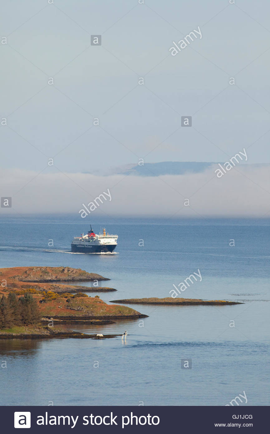 The MV Isle of Mull Caledonian MacBrayne Ferry sails into Oban Bay, Argyll, Scotland. Stock Photo