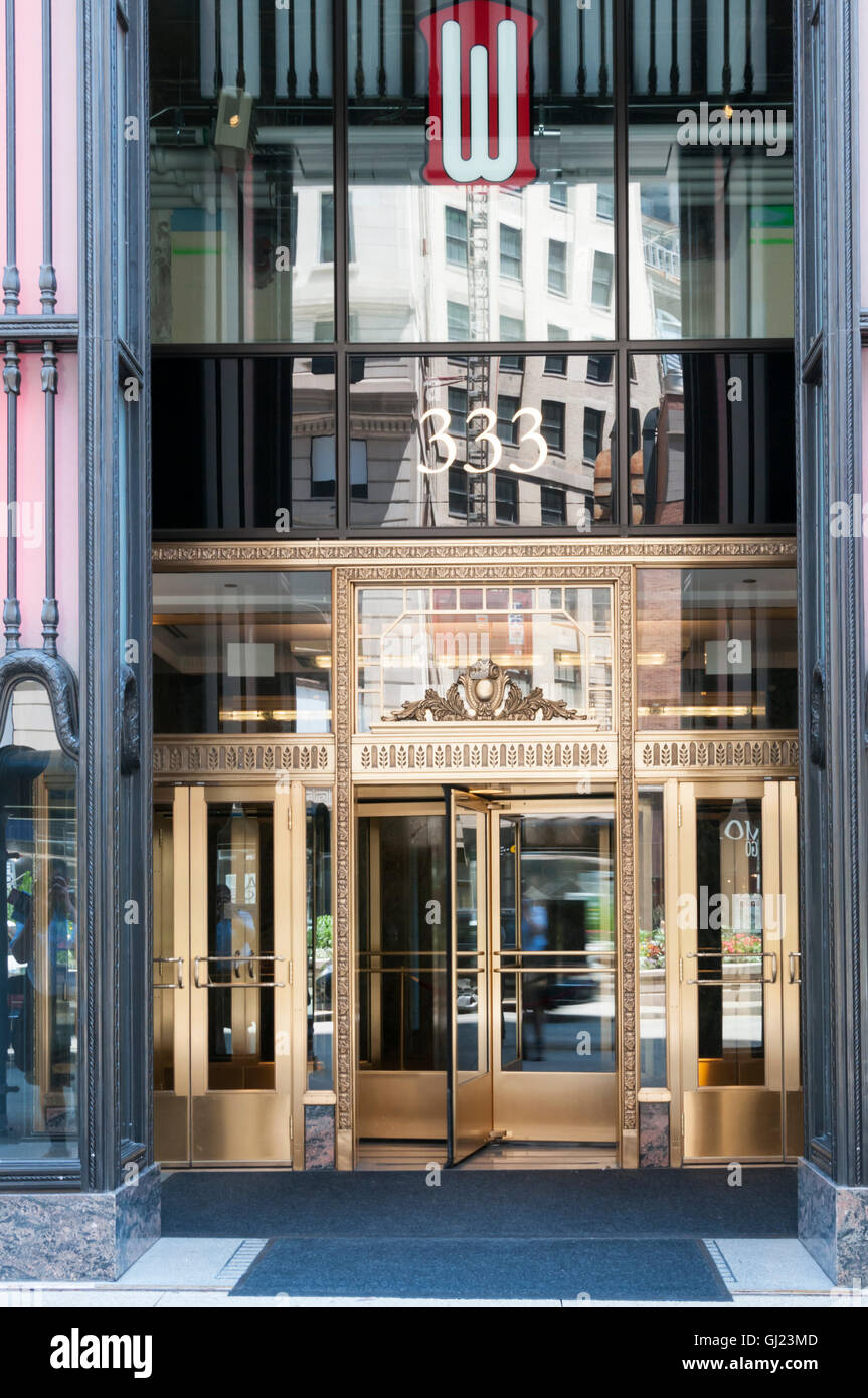 Entrance to 333 North Michigan Avenue, Chicago, USA.  FURTHER DETAILS IN DESCRIPTION. - Stock Image