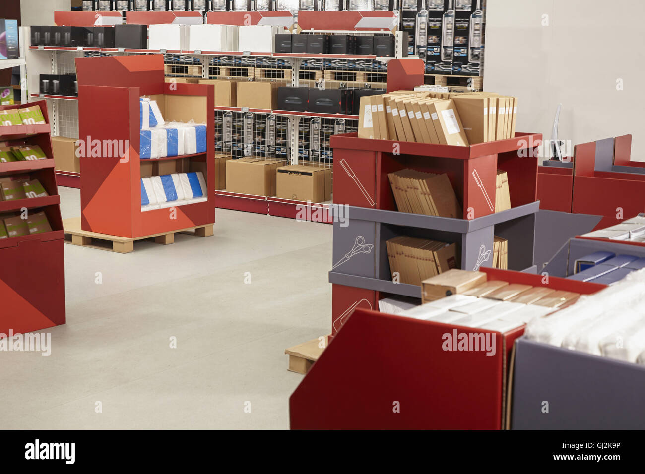 Product display in printing and packaging factory shop, China - Stock Image