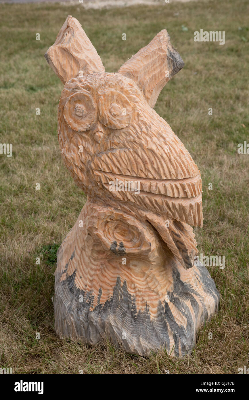Chainsaw carving elephant bird baboon and rabbit youtube