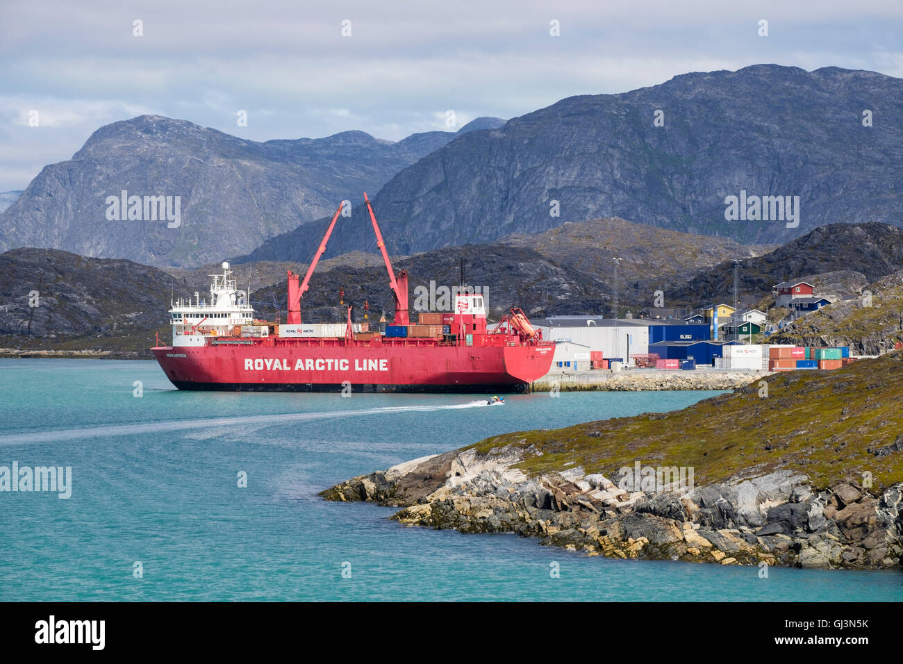 Arctic Line : Royal arctic line cargo ship irena arctica docked and unloading in